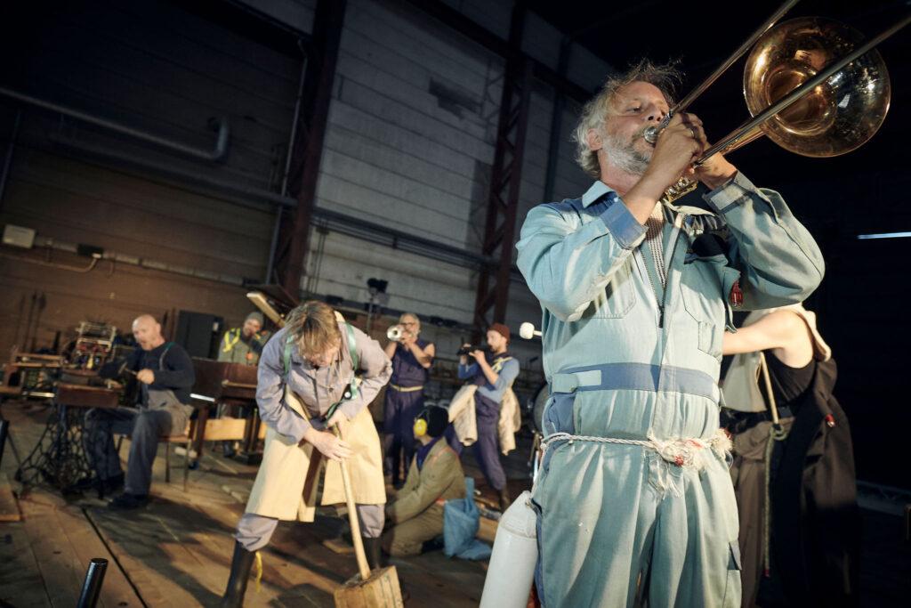 Vi, de Druknede af Walpurgis og Carsten Jensen i Marstal - Metropolis